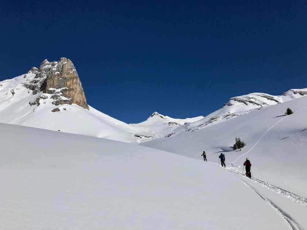 Tolle Skitouren rund dem Berggasthof Rofan