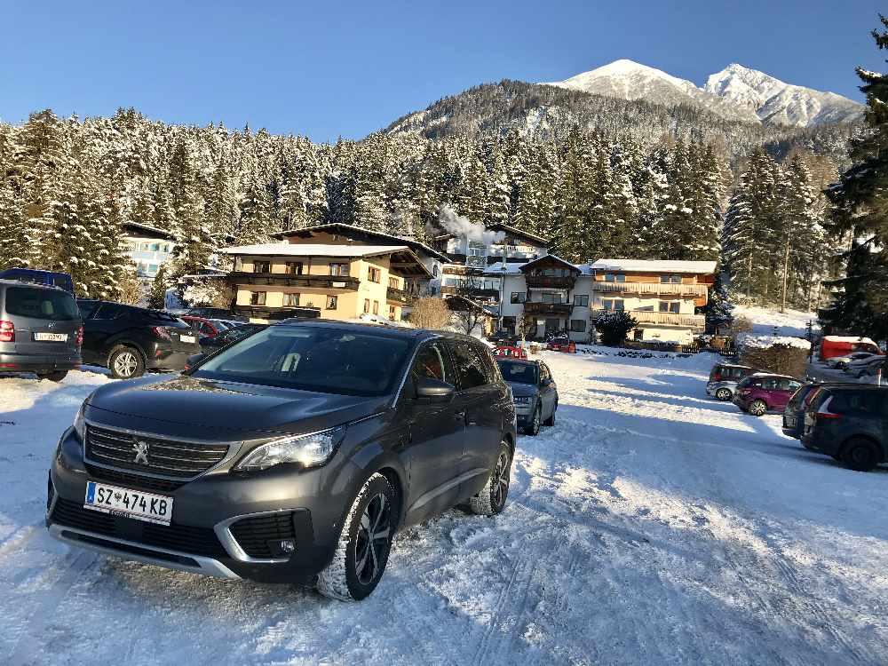 Der kostenlose Parkplatz für die Rosshütte Skitour in Seefeld