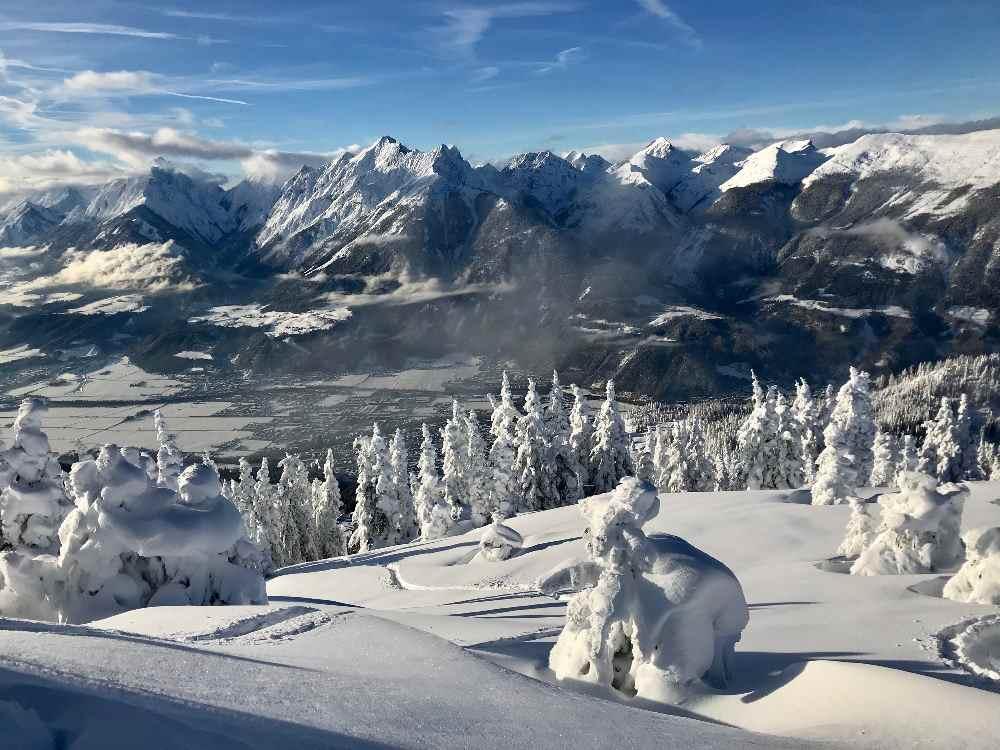 Auf Skitour im Januar bei Pulverschnee - ein Traum im Karwendel