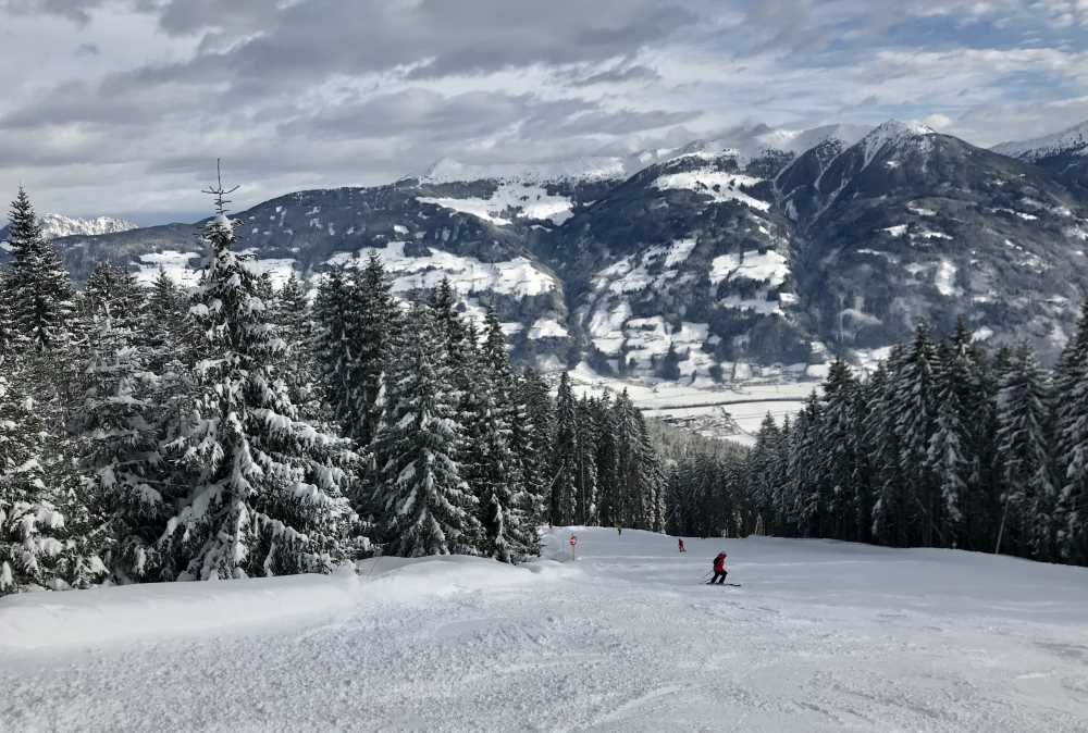 Hier schaue ich auf das Wiedersberger Horn - dahinter ist das Alpbachtal, links die Gratlspitze im Bild