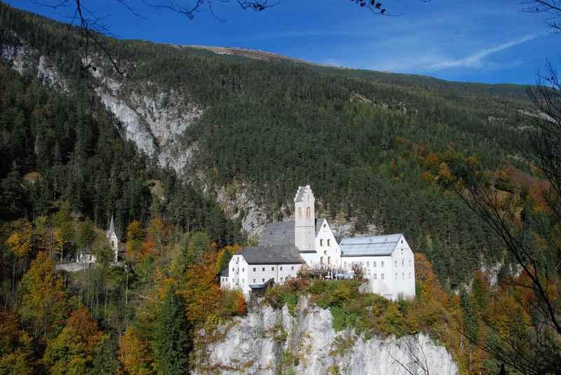 Das Felsenkloster St. Georgenberg im Karwendel, Stans