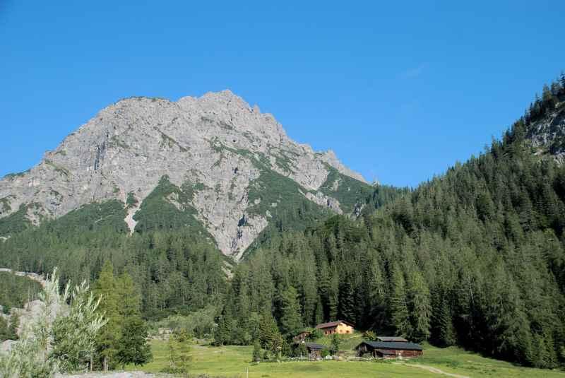 Alpine running zur Stallenalm, wunderschöne Alm im Karwendelgebirge
