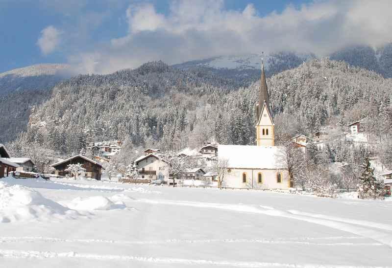 Stans Winterwandern, am Fuße des Karwendel in Tirol
