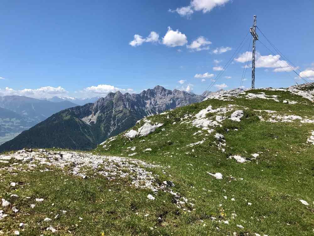 Das Stanser Joch - das ist ein Teil des Ausblicks oben am Gipfel