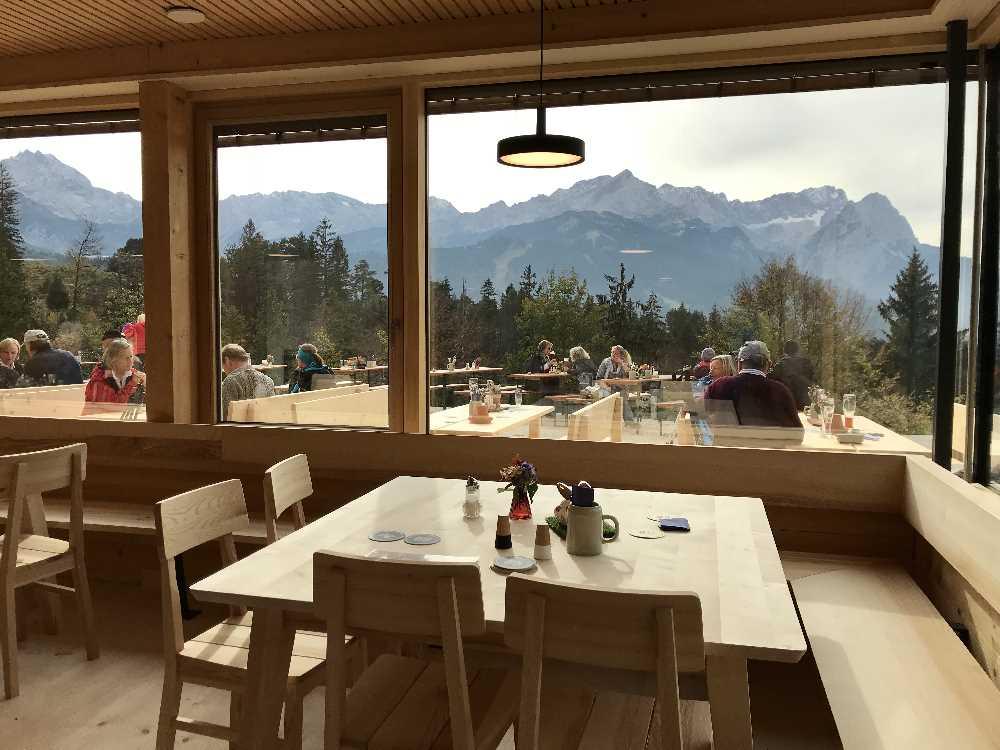 Das ist der Blick aus der Tannenhütte in Garmisch Partenkirchen