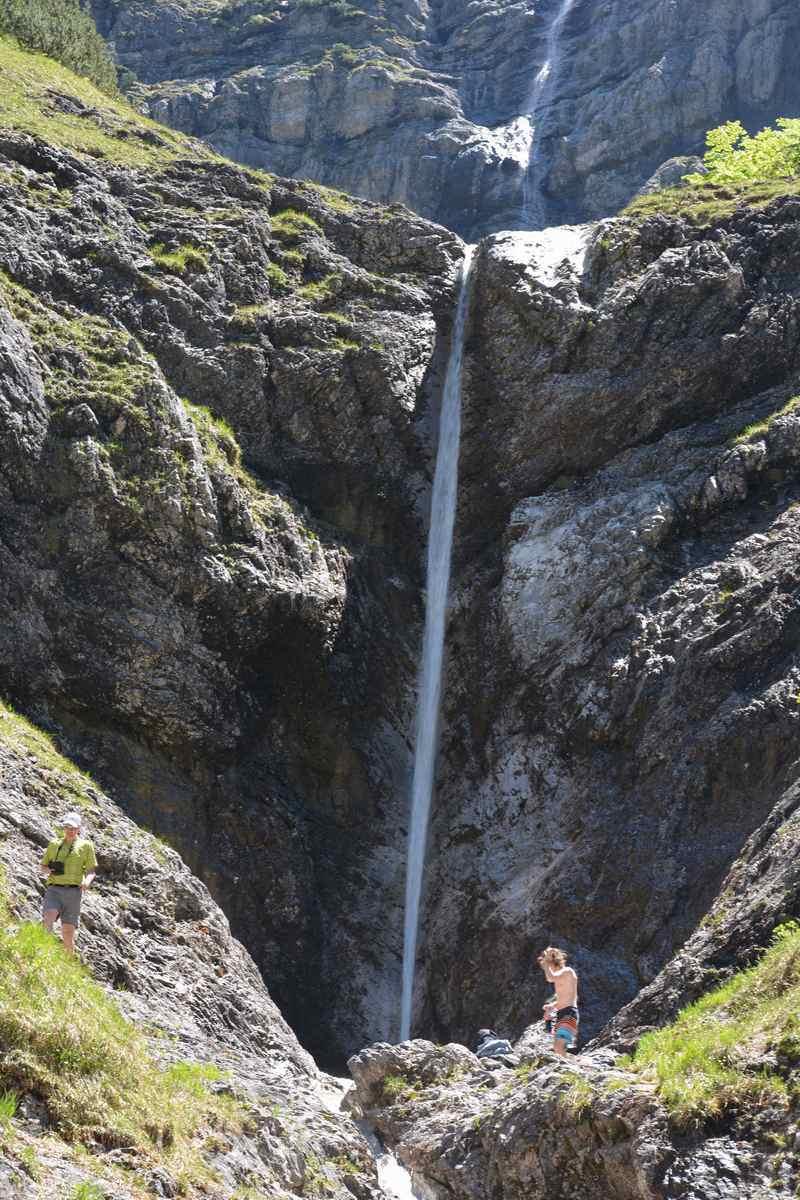 Tegernsee Wasserfall in der Wolfsschlucht - gewaltig im Frühling!