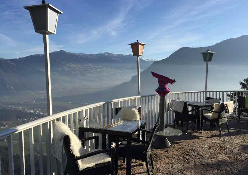 Die Terrasse an der Kanzelkehre auf dem Weg zum Achensee