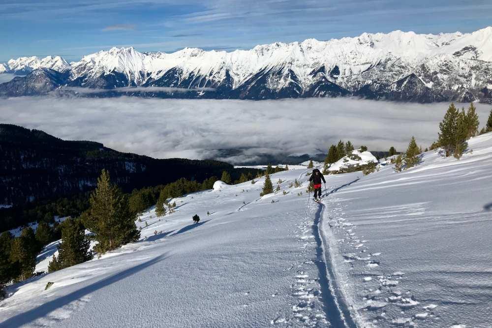 Glungezer Skitour - Zustieg auf der Piste, oben das schöne freie Gelände