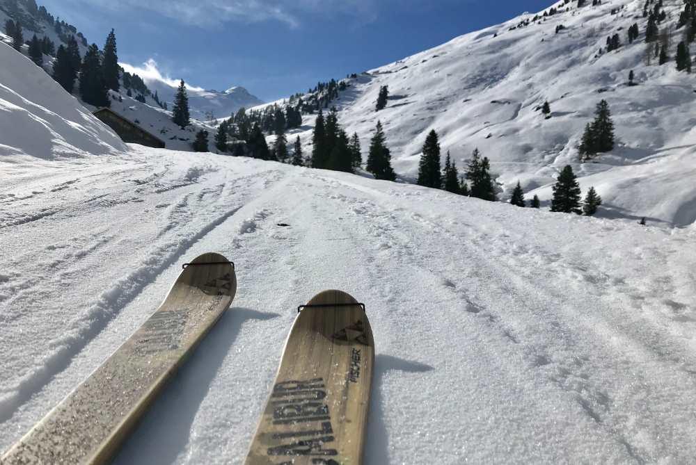 Durch das Nurpenstal geht die Skitour auf die schönen Gipfel der Tuxer Alpen