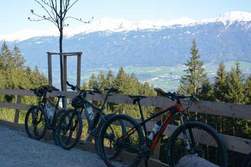 Oder auf die Umbrüggler Alm mountainbiken im Karwendel
