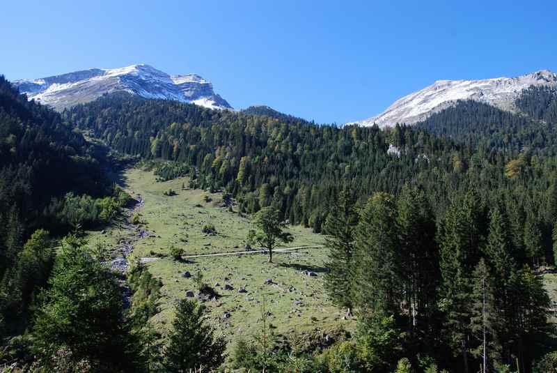 Auf dem Weg zur Vereiner Alm mountainbiken im Karwendelgebirge