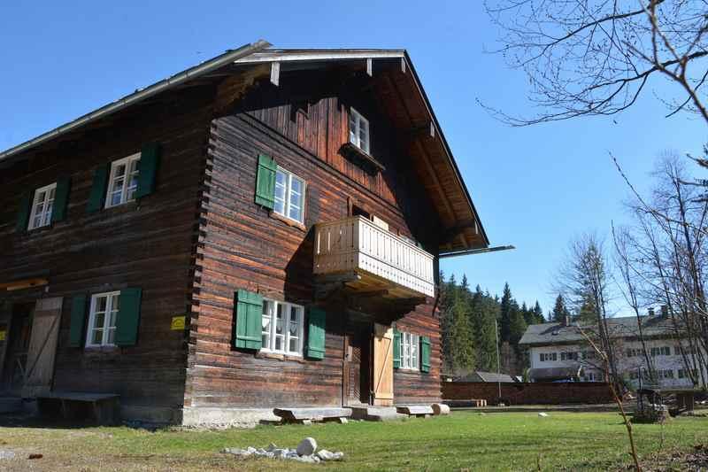 Früher gab es viel Holz rund um Vorderiß - da wurden auch die Häuser aus Holz gebaut