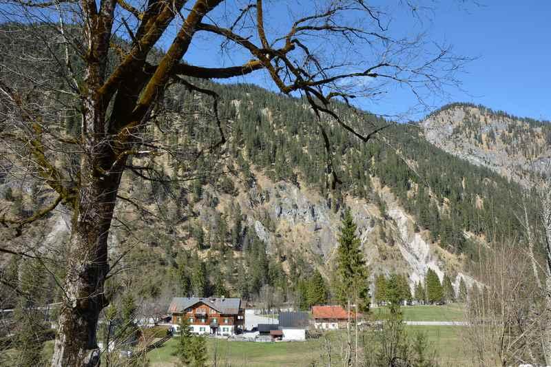 In Vorderriß wandern zum Rißsattel und auf den Spitzberg.