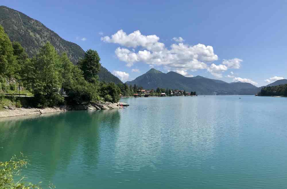 Wunderschöne Radtour: Einmal rund um den ganzen Walchensee, gut 25 Kilometer lang
