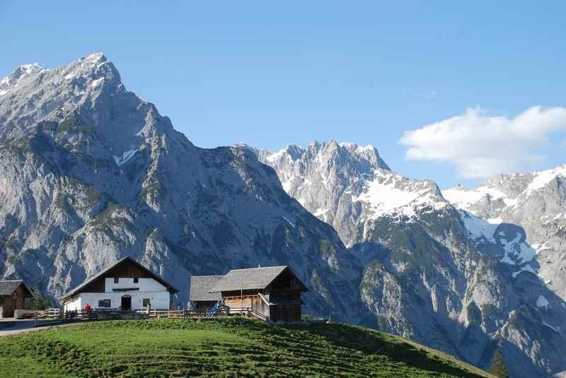 MTB Karwendel in schönster Form: Die Walderalm im Karwendelgebirge in Tirol