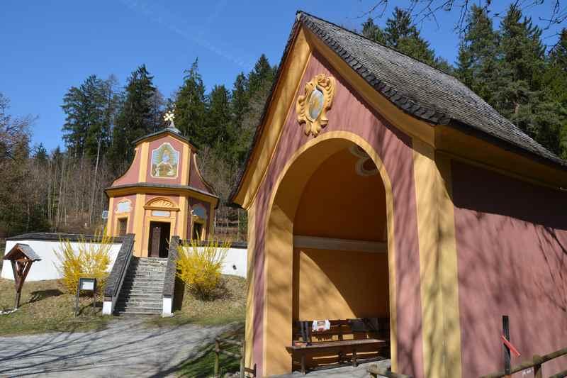 Der Wallfahrtsort Maria Larch in Tirol, Wallfahrtskirche im Karwendel