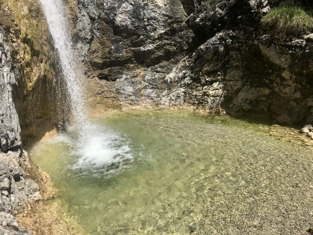 Wallgau Bayern: Die Gumpen und Wasserfälle rund um die Finzbachklamm