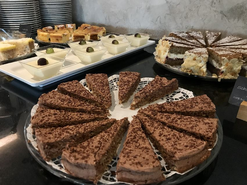 Der Wahnsinn: So viele gute Kuchen ...