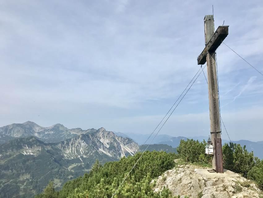Das Gipfelkreuu am Simetsberg