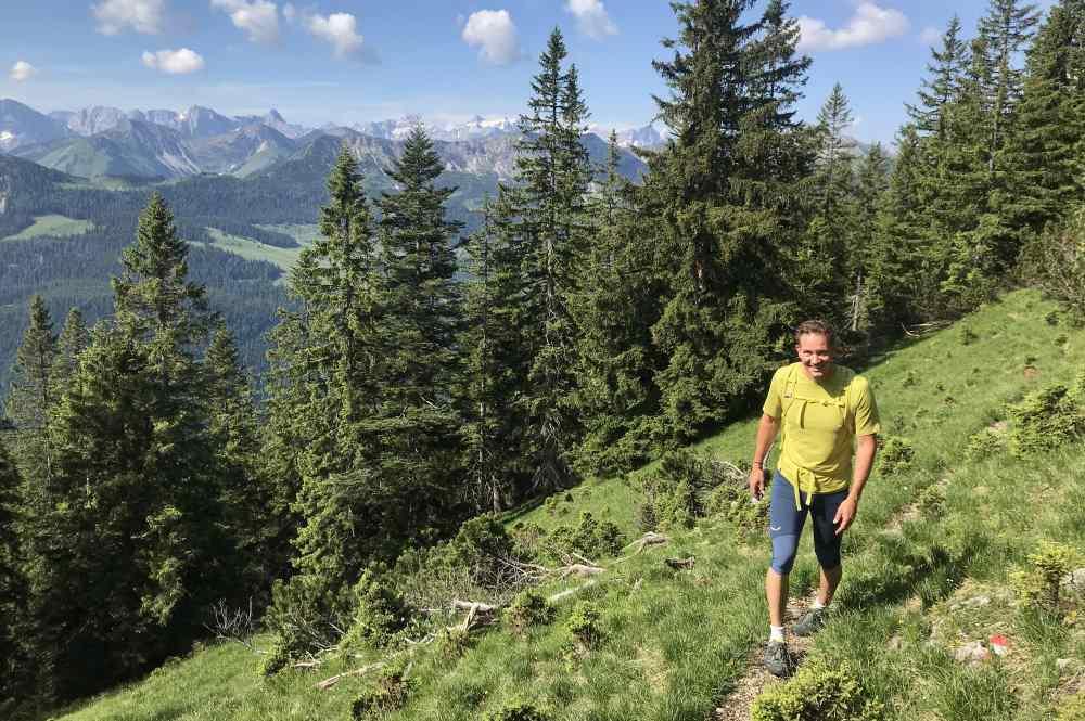 Demeljoch wandern: Sehr toller Blick vom Wandersteig auf das Karwendel!