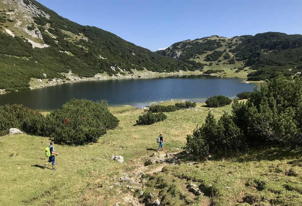 Zireiner See wandern: Das Wanderziel ist erreicht! Der schöne Zireiner See im Rofan