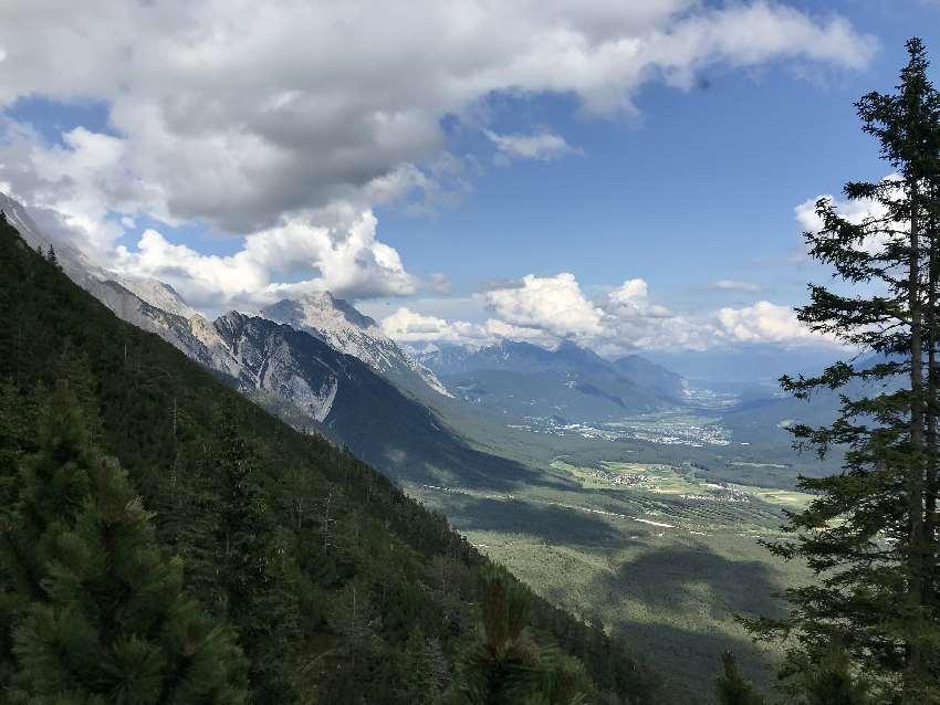 Und so ist der Ausblick über das Inntal nach Innsbruck