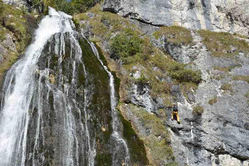 Wasserfall Karwendel - leicht ist die Wanderung zu diesem Wasserfall, anspruchsvoll der Klettersteig!