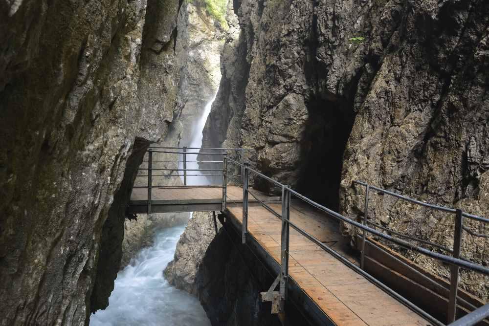 Der schönste Wasserfall in Mittenwald - im unteren Bereich der Leutaschklamm
