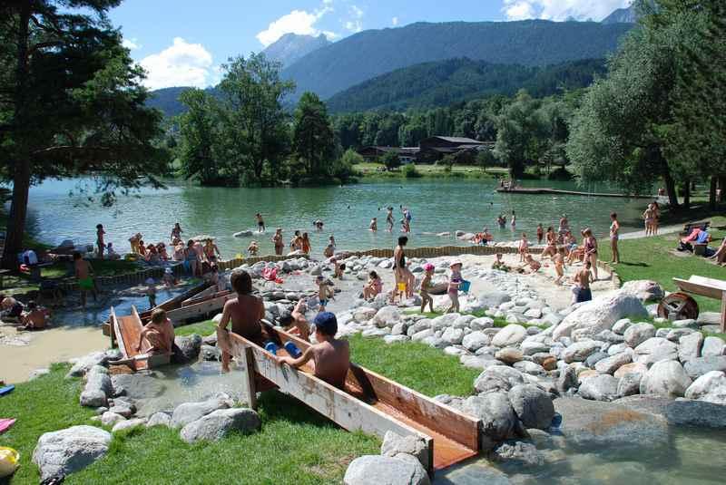 Beliebt in Tirol mit Kindern - der Wasserspielplatz in Terfens