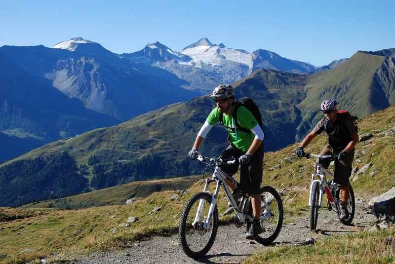 Die Transalp Etappe führt durch das Karwendel über das Geisljoch auf die Weidener Hütte