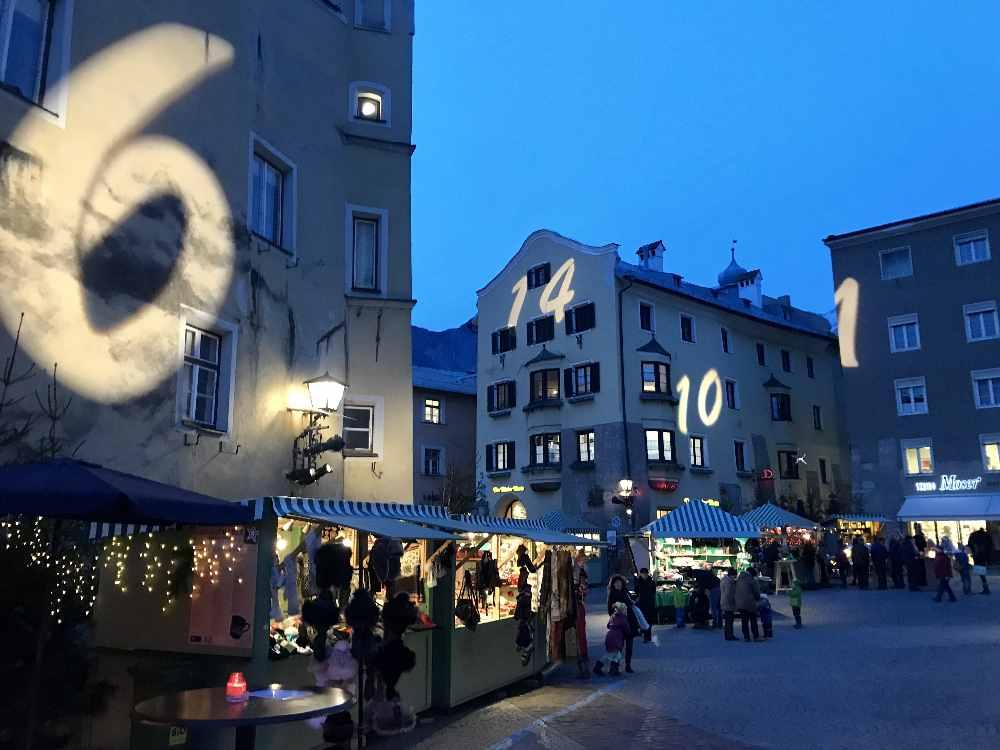Besonders stimmungsvoll ist der Weihnachtsmarkt in Hall in Tirol