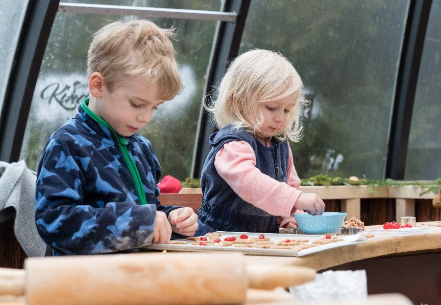 Auf dem Weihnachtsmarkt Seefeld mit Kindern - zu Besuch in der Kinderbackstube, Bild: Seefeld Tourismus, Stephan Elsler