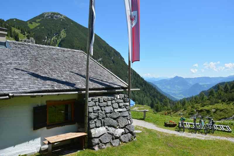 Auf die Weissenbachalm wandern im Karwendel