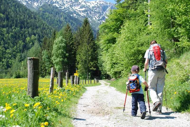 Auf die Weissenbachhütte wandern im Karwendel, Tirol