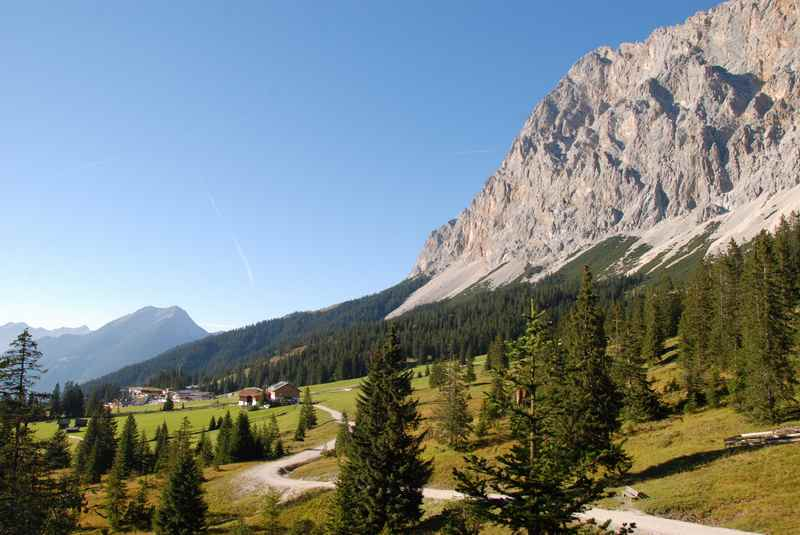 Das Wettersteingebirge bei der Ehrwalder Alm in Tirol