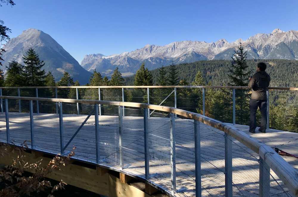 Wir schauen hinüber ins Wettersteingebirge, die Gipfel bilden die Grenze zwischen Bayern und Tirol