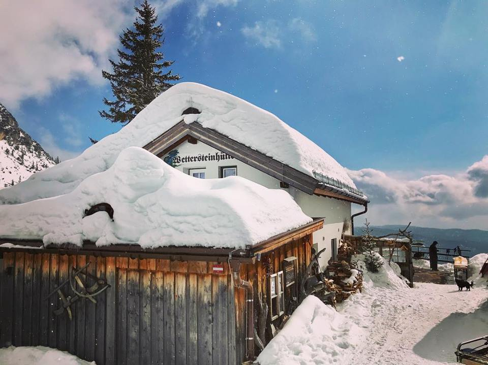 Traumziel im Winter - die Wettersteinhütte