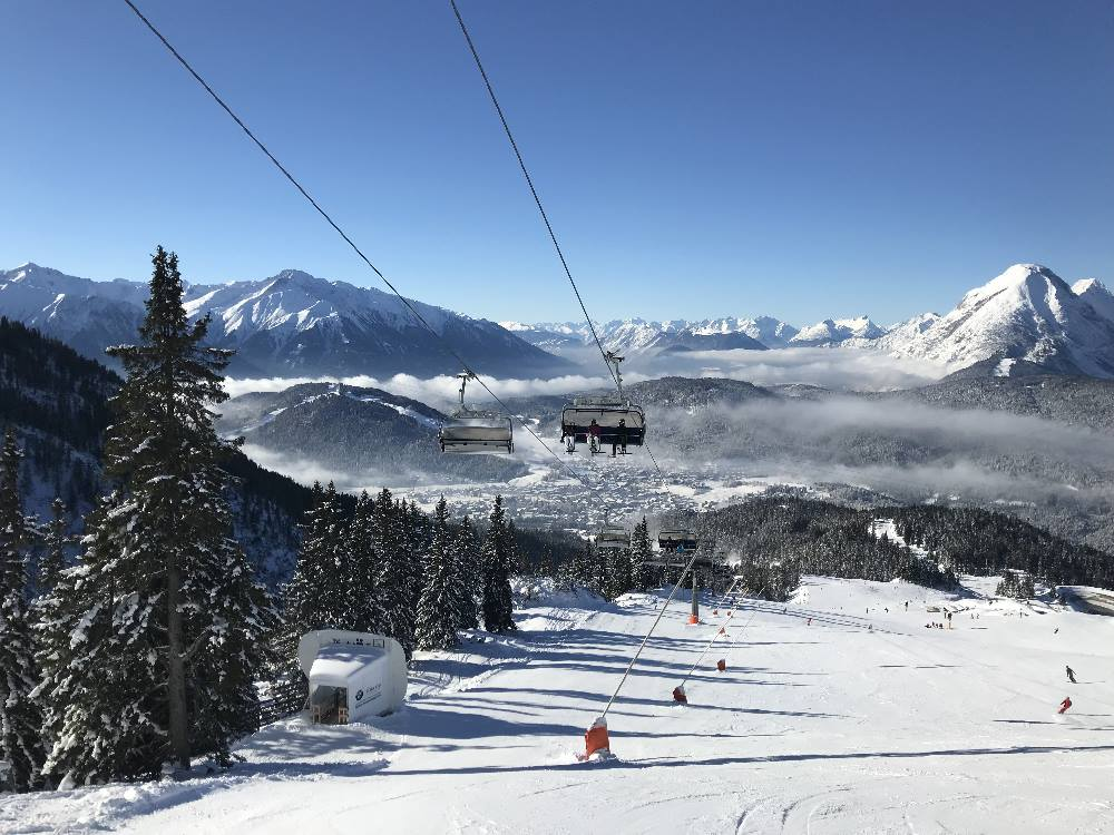 Skifahren im Karwendel - im Skigebiet Rosshütte