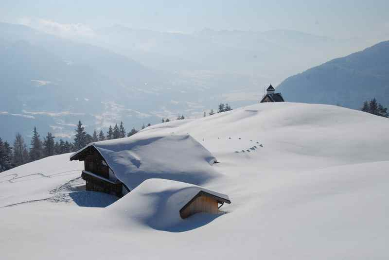 Winteridylle im Hochwinter - Astenaualm winterwandern in Tirol