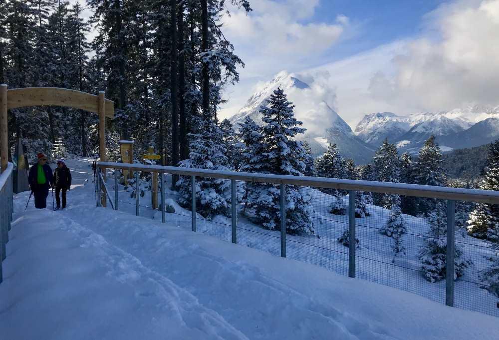 Winterwandern Seefeld: An der Region Seefeld mag ich, dass leichte Winterwanderungen zu tollen Bergpanoramen führen - hier der Blick zur hohen Munde in der Mieminger Kette