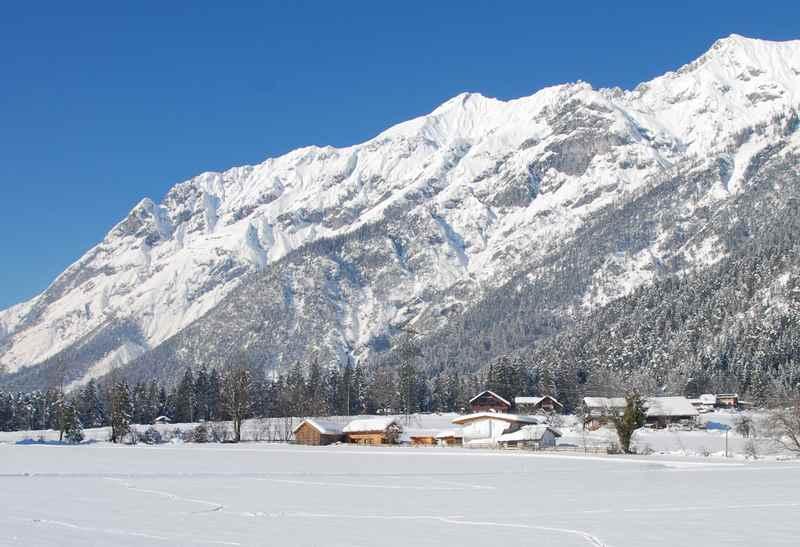 Vomperberg im Winter: Langlaufen im Karwendel und Winterwandern