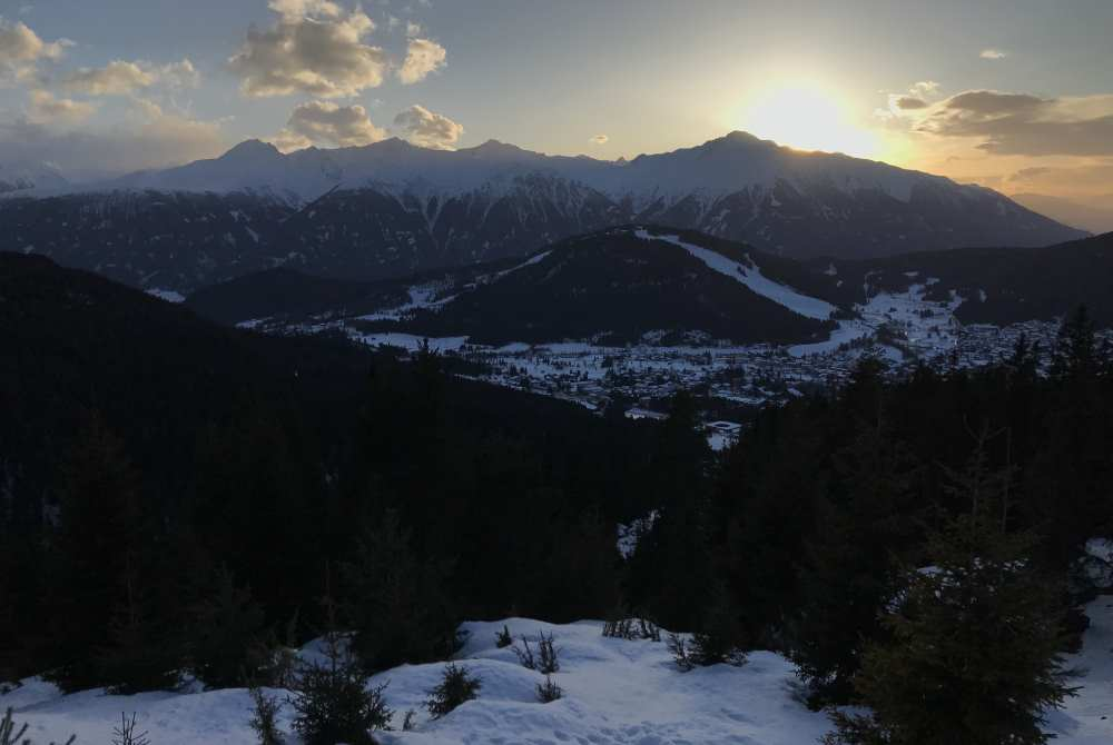 Winterwandern Seefeld bei Sonnenuntergang - sehr romantisch im Schnee!