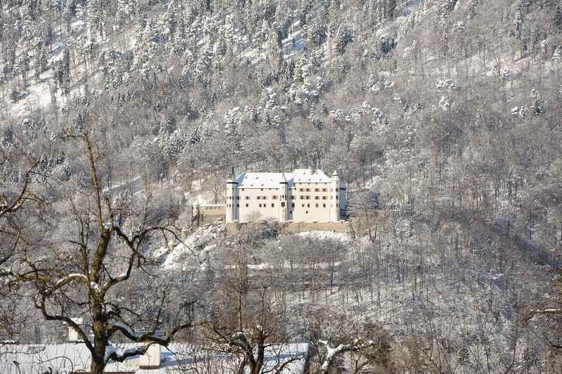 Beim Rückweg gibt es einen tollen Blick auf das Schloss Tratzberg im Karwendel