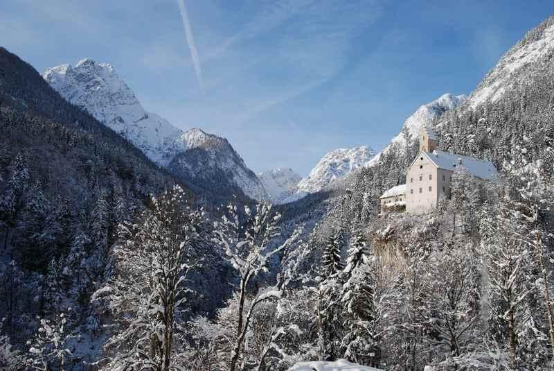 Stans in Tirol winterwandern nach St. Georgenberg im Karwendel