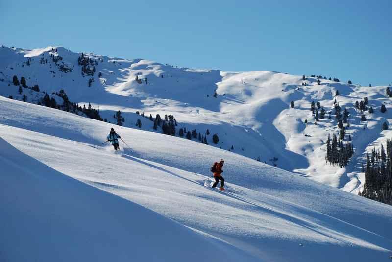 Skitour bei Scharnitz: Auf der Skipiste auf den Mühlberg und dann im freien Gelände auf den Mittagkopf und Zäunlkopf mit Skitourenski oder zum Schneeschuhwandern im Karwendel