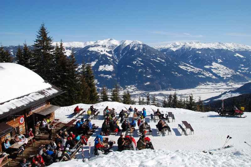 Skifahren mit Ausssicht im Zillertal