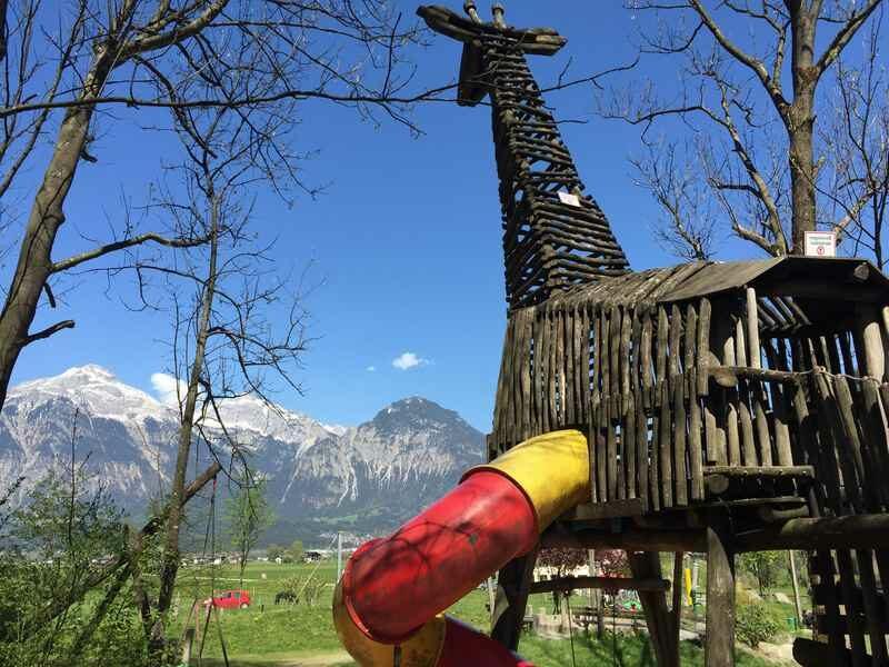 Beliebt im Zillertal mit Kindern: Der  Spielplatz am Schlitterer See