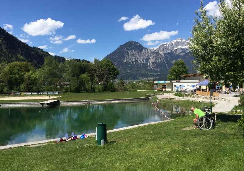E-Bike Zillertal: Zum Badesee Schlitters, auf dem Zillertalradweg in Tirol