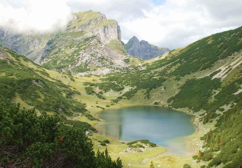 Der Zireiner See liegt im Ortsgebiet von Kramsach