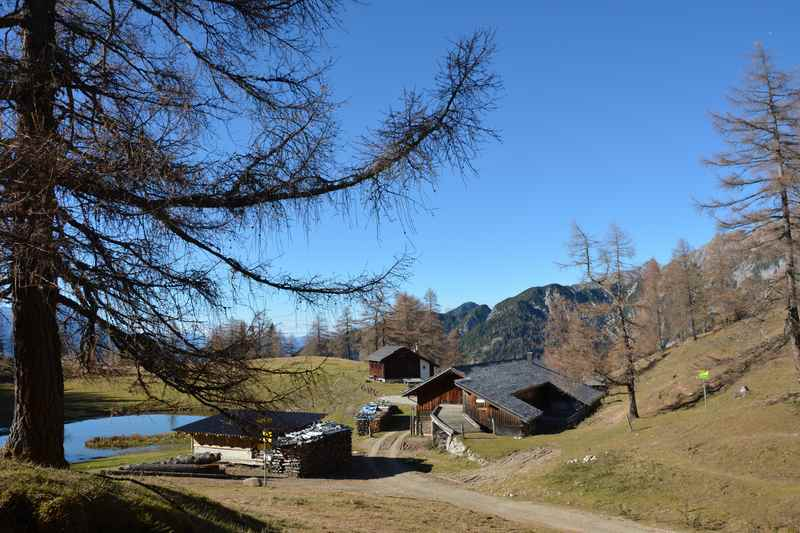Ab Zirl wandern auf die Magdeburger Hütte im Karwendelgebirge bei Innsbruck